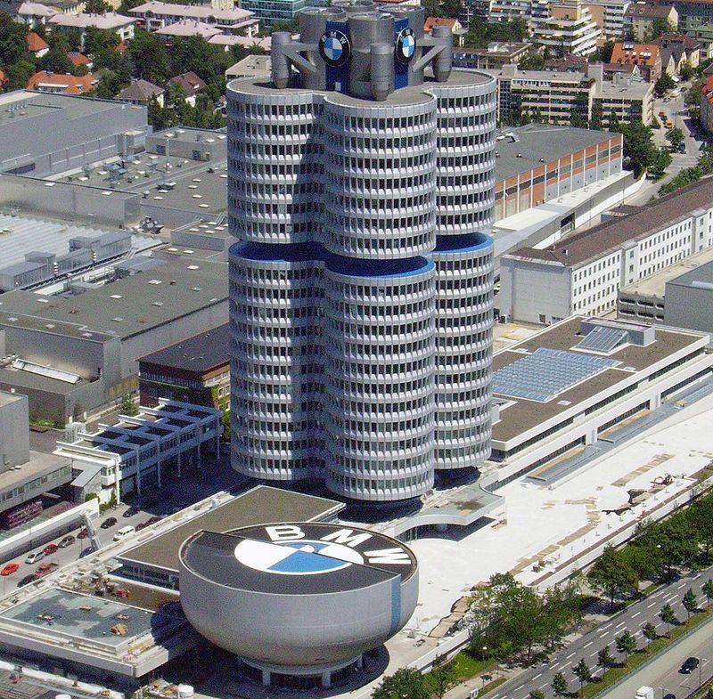 800px-BMW-Gebäude