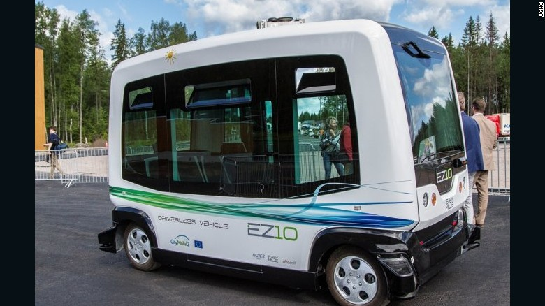 170130152433-new-orleans-residents-get-a-chance-to-test-driverless-shuttle-exlarge-169