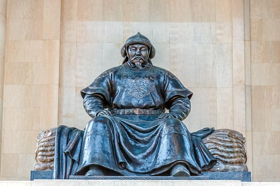 mongolia_ulaanbataar_genghis_khan_statue