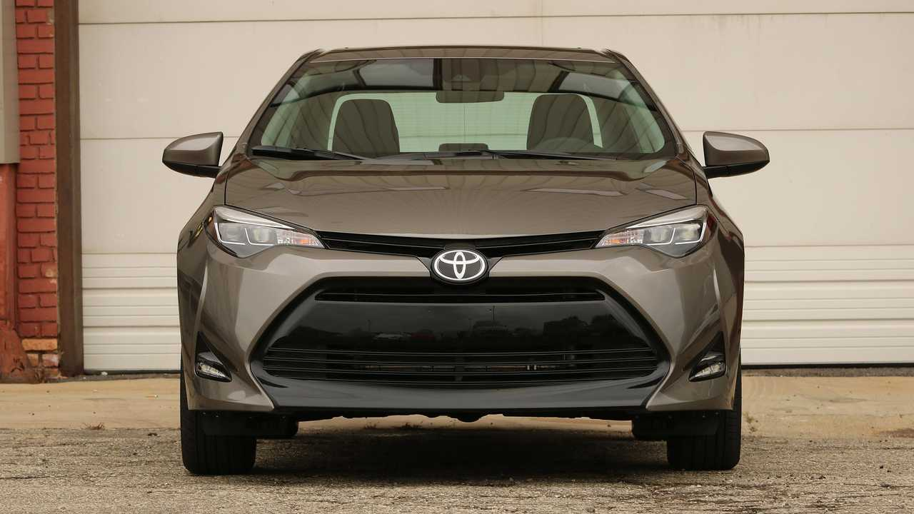 2017-toyota-corolla-front
