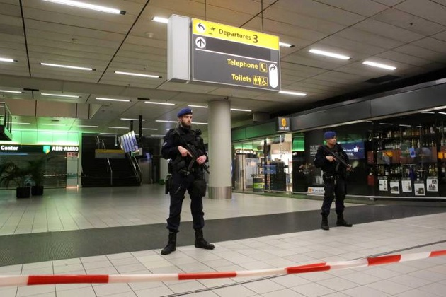 Man detained after bomb threat at Amsterdam Schiphol airport on New Year's Eve