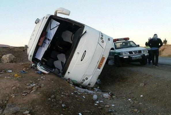 واژگونی اتوبوس در جاده شیراز-دشتارژن-کازرون