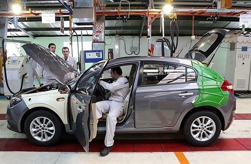 گرانی خودرو ریشه در کاهش سود بانکی دارد