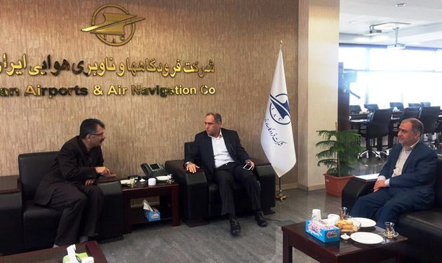 تاکید امیرمکری بر تسریع در اتمام پروژههای فرودگاه سقز