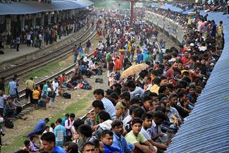 وضعیت قطارهای مسافربری بنگلادش در تعطیلات عید قربان – ایستگاه قطار داکا