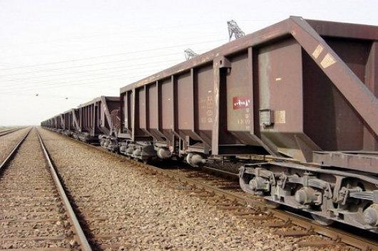 حمل اولین محموله کلینکر صادراتی کارخانه سیمان اصفهان با ناوگان ریلی