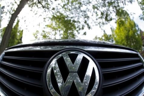 تحلیل اکونومیست از جنجال تقلب خودروسازان