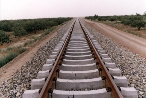 عملیات اجرایی ریلگذاری خط چهارم قطار حومهای تهران - گرمسار آغاز شد