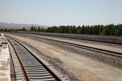 بازدید وزیر راه و شهرسازی از راه آهن خواف-هرات و اتصال دوغارون به شبکه ریلی