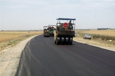 آسفالت معابر ۱۶۷ روستای آذربایجانغربی در حال اجراست