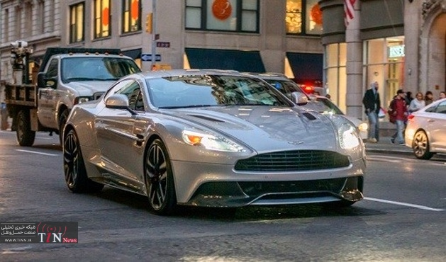 The Aston Martin Vanquish is a $۳۰۰,۰۰۰ angry piece of art that you cant stop looking at