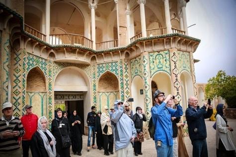 چالشهای سیاسی در برندسازی ملی گردشگری ایران