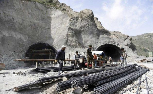 آزادراه تهران- شمال طبق برنامه در بهمن ماه افتتاح میشود