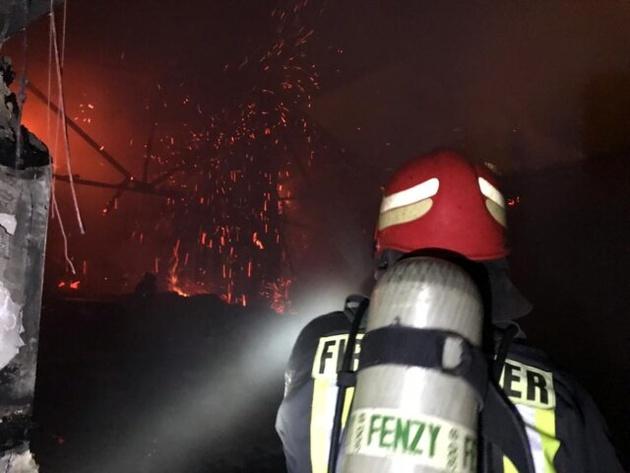 آتشسوزی گسترده در سینما بهمن شیراز