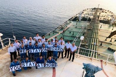 پیام دریانوردان: ما در کشتی میمانیم، شما در خانه بمانید
