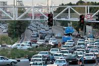 مسئولان برای برطرف کردن معضل ترافیک در کلانشهرها تلاش کنند