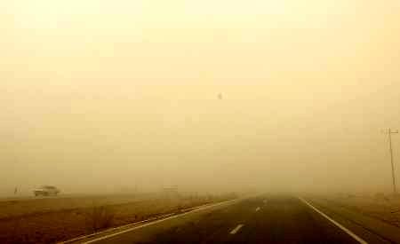وزش باد دید افقی فرودگاه زاهدان را کاهش داد