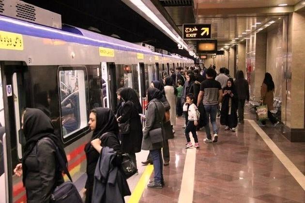 ازدحام جمعیت در حمل و نقل عمومی از مهمترین دلایل خیز کرونا در پایتخت
