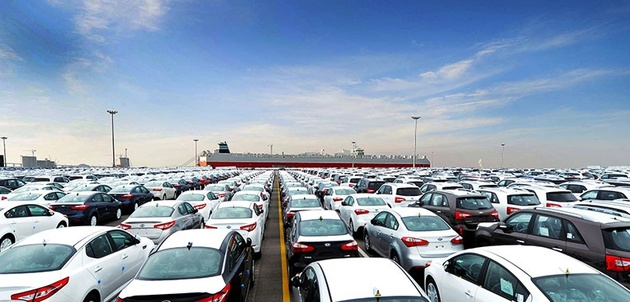 بلاتکلیفی ترانزیت خودروهای آمریکایی
