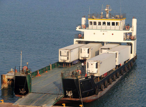 گرمای عسلویه خدمه کشتی سومالی را راهی بیمارستان کرد