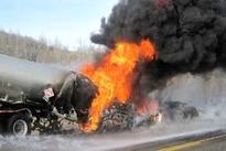 مرگ دلخراش راننده به دلیل انفجار تانکر سوخت+سه فیلم از حادثه