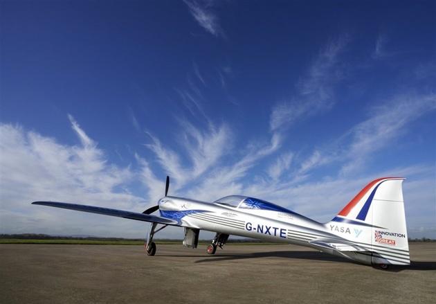 هواپیمای تمامبرقی رولزرویس برای اولین بار به آسمان رفت