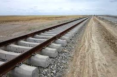 آغاز بازسازی خطوط ریلی راه آهن یزد - کرمان پس از ۳۰ سال