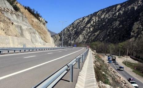 اجرای ۳۵۰ کیلومتر بزرگراه در استان اردبیل و ایمن سازی جادههای شمالی