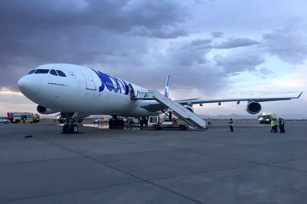 هواپیمای فرانسوی، اصفهان را ترک کرد