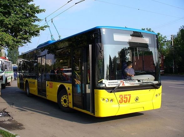 اتوبوس برقی دوشنبه رونمایی می شود