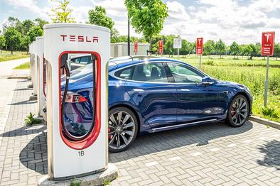 همکاری فیات و فاکسکان برای تولید خودروهای برقی