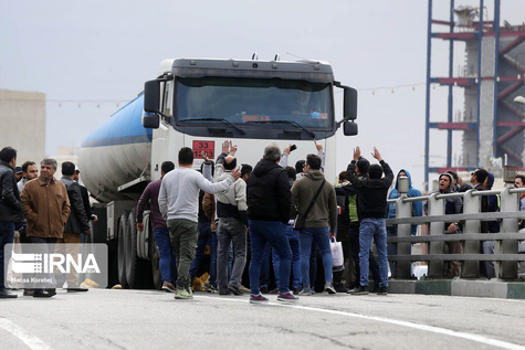 تازهترین تصاویر ایرنا از اعتراضها به گران شدن بنزین