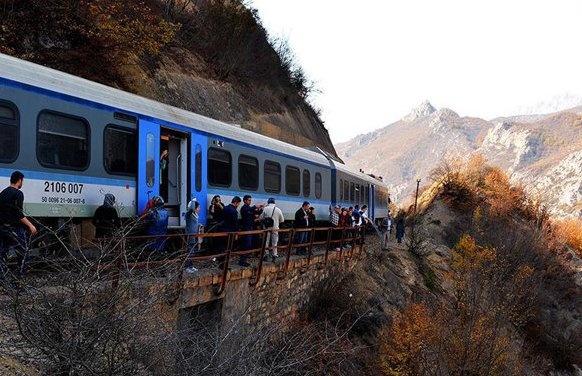 راهاندازی قطار گردشگری تهران-شیرگاه