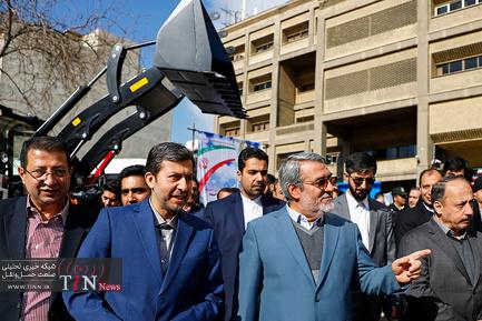 رونمایی از ماشین آلات اهدایی به شهرداری ها و دهیاری ها