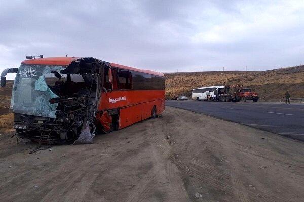 اسامی ۲۵ مصدوم تصادف دو دستگاه اتوبوس مسافربری در گردنه اسدآباد