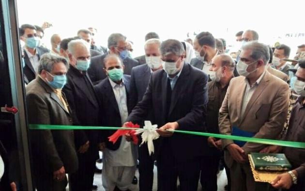 وزیر راه و شهرسازی بیمارستان ۲۲۰ تختخوابی سراوان را افتتاح کرد