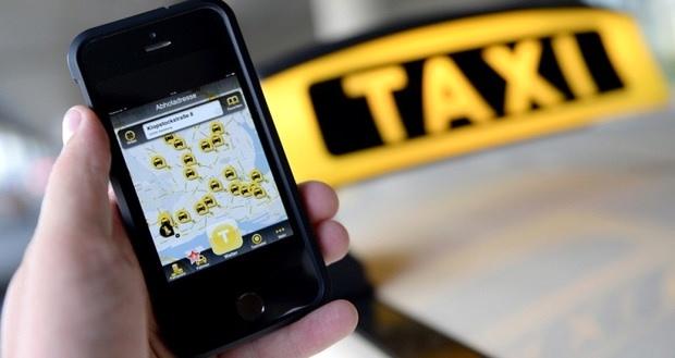 توصیه یک راننده به رانندگان تاکسی: مانع از مرگ حرفه خود شویم