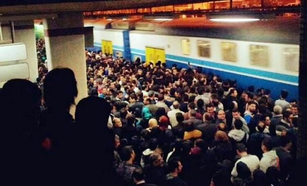 مترو صادقیه-کرج از ساعت 21:30 مسافرگیری نمیکند