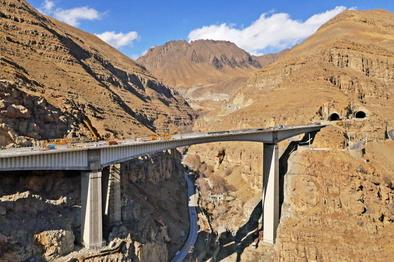 افتتاح قطعه نخست آزادراه تهران-شمال در دهه فجر