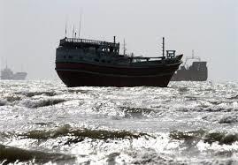 توقیف ۲ فروند قایق بی هویت درتنگستان