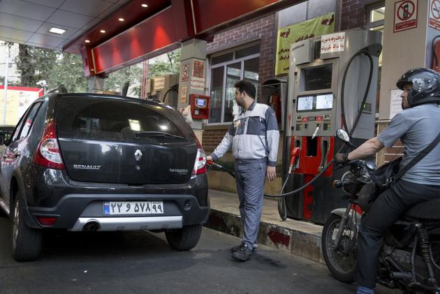 بحث و نظر کارشناسان درباره شوک سوم به قیمت بنزین