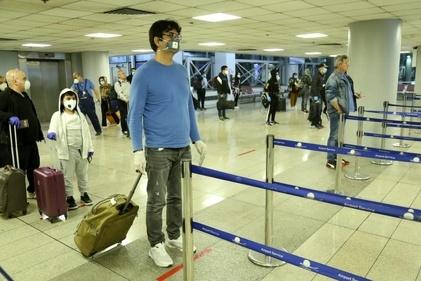 اجرای  فاصلهگذاری اجتماعی در ترمینال مسافری یک فرودگاه امام