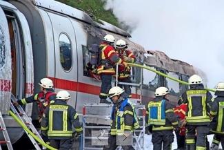 آتشسوزی قطار مسافری آلمانی با 510 مسافر