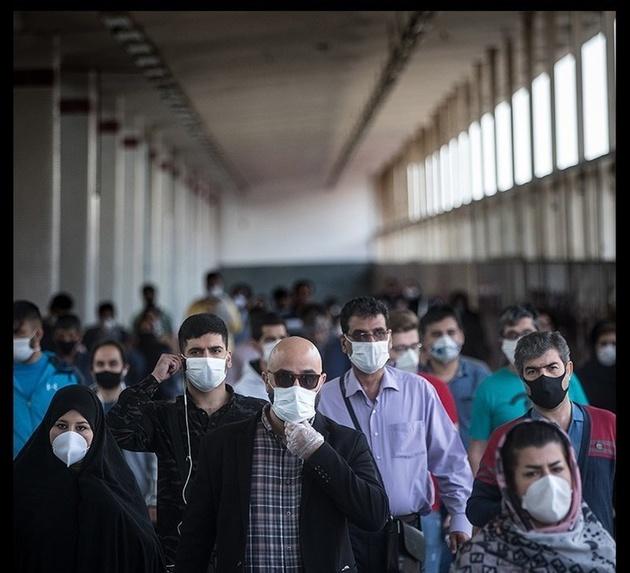 اخراج مسافران بدون ماسک از مترو