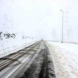 بارش برف و باران در جاده های زنجان