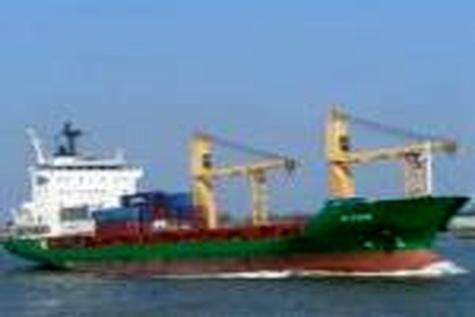 در بندر امیرآباد بررسی شد؛ تخلیه و ترانزیت مواد سوختی به کشورهای همسایه