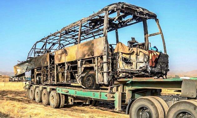 روایت یک بازمانده حادثه اتوبوس سنندج؛ پاسخ به شایعه عراقی بودن تانکر حمل قیر + فیلم