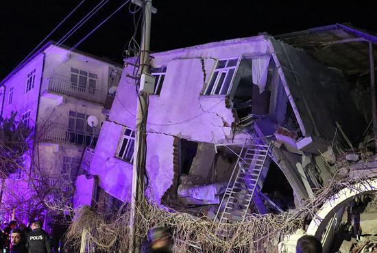 تصاویر| زمین لرزه ۶.۸ ریشتری در ترکیه