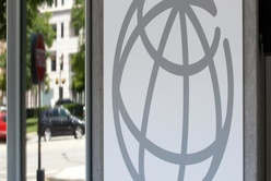 IRU strengthens partnership with World Bank to implement sustainability goals