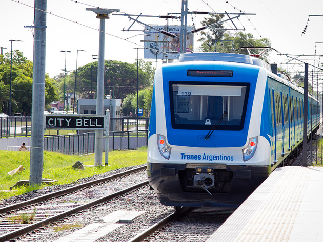 Roca electrification reaches City Bell